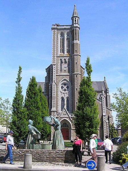 Fichier:Cancale eglise Saint-Meen.jpg