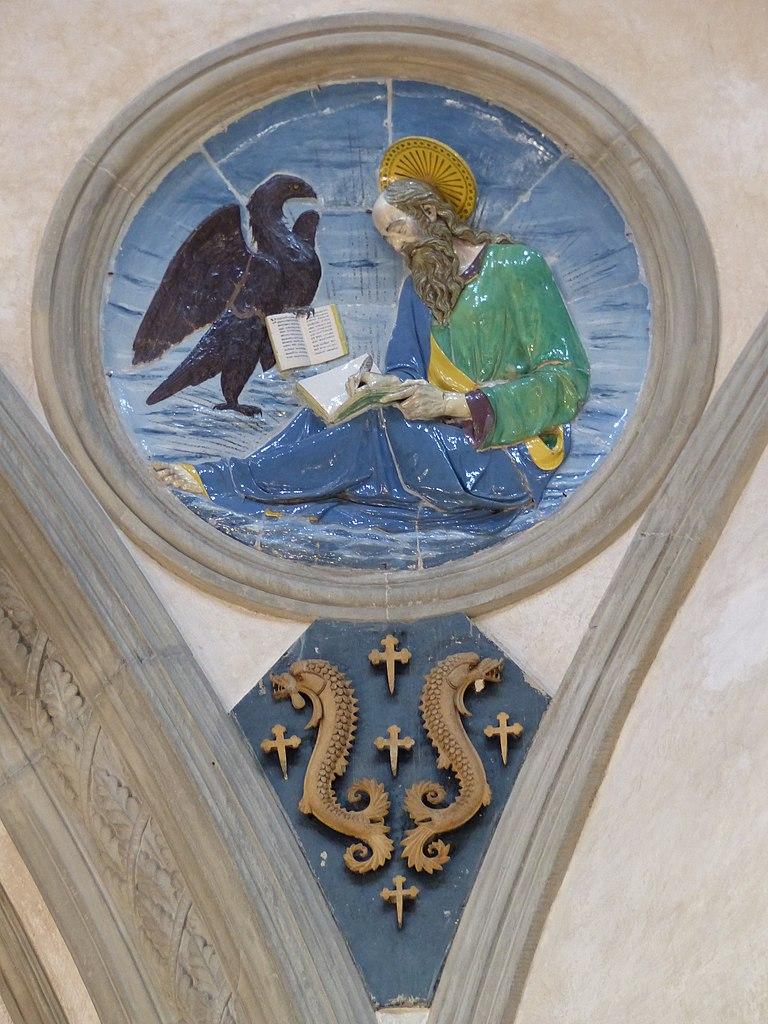 Andrea della Robbia, evangelisti (Giovanni) e stemmi pazzi, 1445-50 circa, Capella Pazzi, Firenze