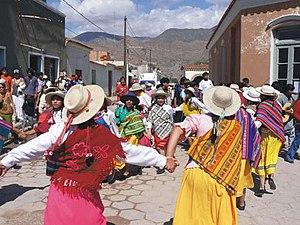 Carnavalito - Image: Carnavalito en Humahuaca