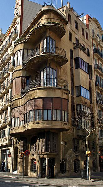Josep Maria Jujol - Casa Planells, in Barcelona, before it was restored
