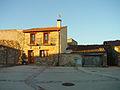 Casa de piedra en La Serna del Monte.jpg