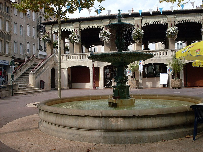 Castelnaudary, fountain on th Place de Verdun and Tourist office.