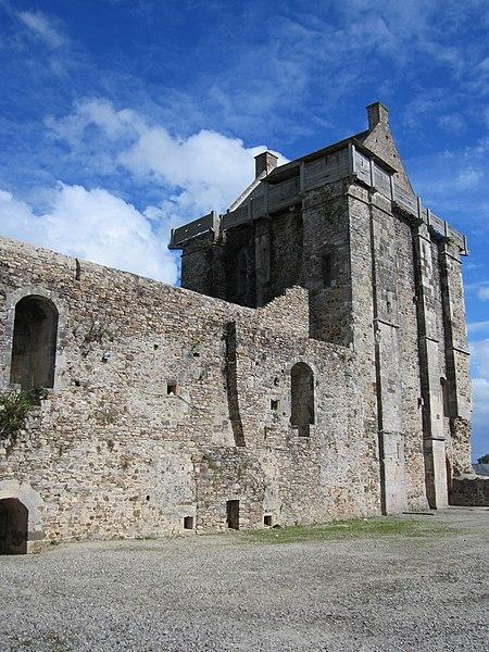 Fr:Château de Saint-Sauveur-le-Vicomte