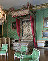 Château de Versailles, appartements du Dauphin et de la Dauphine, chambre du Dauphin, lit.jpg