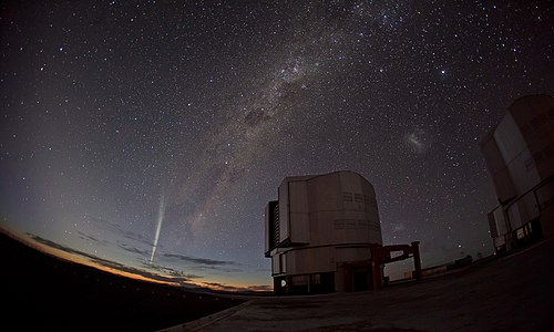 Comet Lovejoy at Paranal