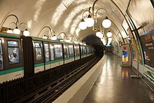 Cité metro station, Paris 7 April 2014 001.jpg