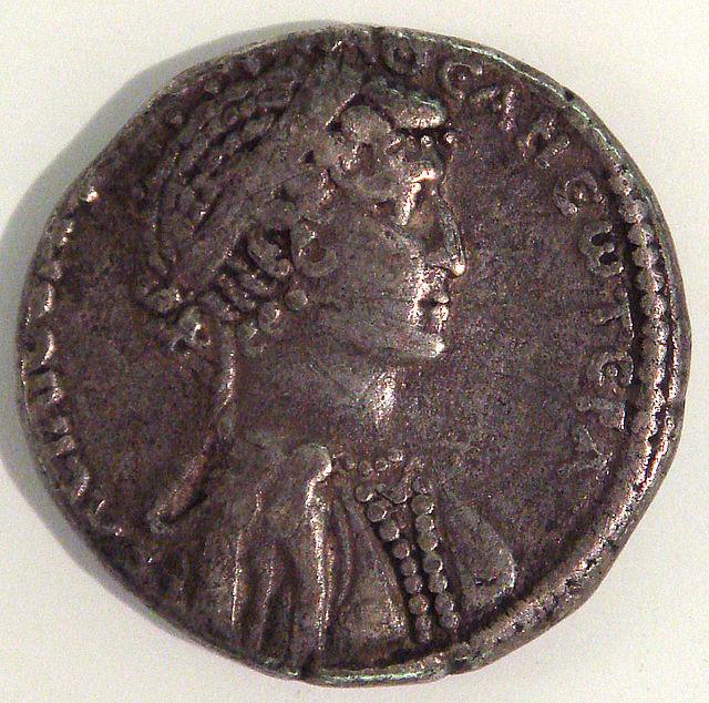 Cleópatra Berenice (Dinastia Ptolomaica) 640px-CleopatraVIICoin