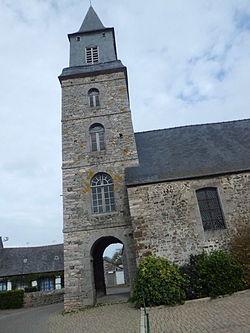 Clocher-porche Saint-Pierre de Plurien (Côtes-d'Armor).JPG