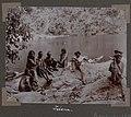 Collectie NMvWereldculturen, RV-A102-1-154, 'Indianen, Boni's en arbeiders'. Foto- G.M. Versteeg, 1903-1904.jpg