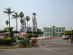 Comalcalco.Iglesia y Palacio.jpg