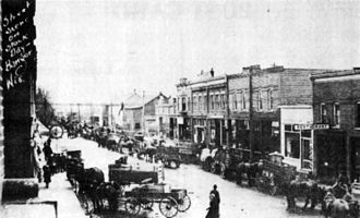 Bangor, Wisconsin - Image: Commercial street About 1916