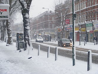 Cricklewood - Cricklewood Broadway in the snow, February 2009
