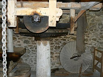 Glossary of mill machinery - Crown Wheel and Upright Shaft