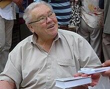 Megszületett Csurka István író, dramaturg, politikus.