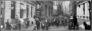 Curbstone broker - Image: Curb market at Broad Street 1902