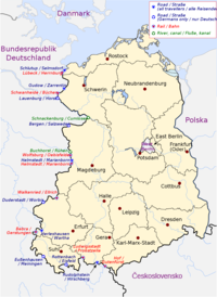 Map of East Germany showing crossing points on the western and south-western side. In total, there are ten road crossings, eight rail crossings, and two river or canal crossings.