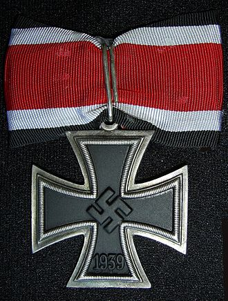 Knight's Cross of the Iron Cross - Image: DE Band mit RK (1)