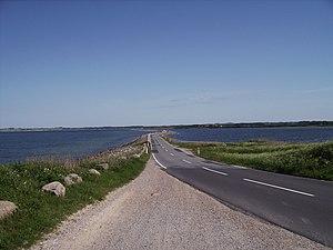 Helnæs - Image: Daemningen fra Helnaes til Agernaes