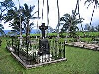 Damien Grave.jpg
