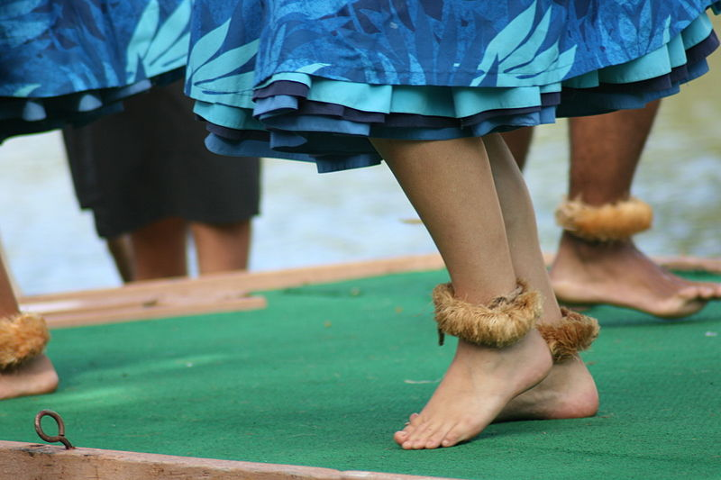 File:Dancers' feet.jpg