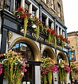 Deacon Brodie's Tavern, Lawnmarket, Edinburgh, 1.jpg