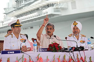 Surinder Pal Singh Cheema - Vice Admiral SPS Cheema (right) with Defence Minister Manohar Parrikar (center) and CNS  RK Dhowan during commissioning of INS Vajrakosh