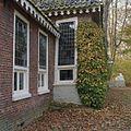 Detail voorzijde- scheefgedrukt venster bij de sprong - Glimmen - 20380174 - RCE.jpg