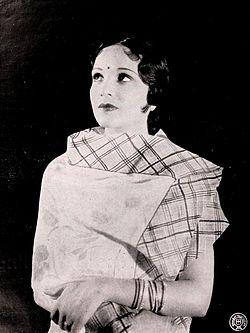 Devika Rani dans Nirmala (1938).jpg