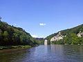 Donaudurchbruch bei Weltenburg. Bavaria, Germany. On the cliff the Befreiungshalle. - panoramio.jpg