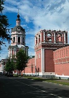 Донской монастырь, основанный в память о спасении Москвы от войск Казы II Гирея.  Фото: wikipedia.org.