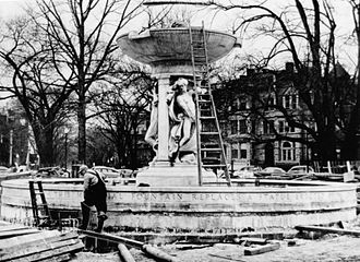 Dupont Circle Fountain - Installation of the fountain in 1920.