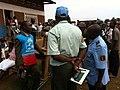 Echanges entre Chef de centre de la CENI et UNPOL à la cloture à KASENGA 2 (6435248697).jpg