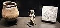 Egitto, oggetti magici, vaso con tavolette e figurina, terracotta, bronzo e piombo, III-IV sec. ca..JPG