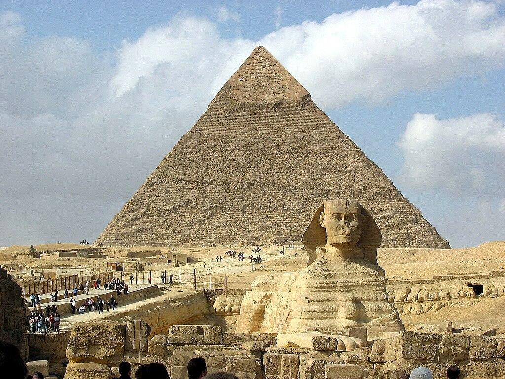 カフラー王のピラミッドと大スフィンクス