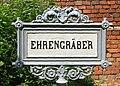 Ehrengräber Schild 2.jpg