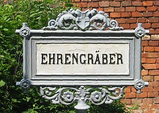 <i>Ehrengrab</i> distinction granted by certain German, Swiss and Austrian cities to some citizens for extraordinary services in their lifetime
