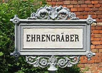 Ehrengrab - Sign, Zentralfriedhof in Vienna