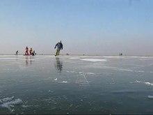 Datei:Eislaufen 01.ogv