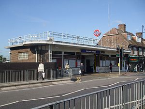 Elm Park tube station - Entrance to The Broadway