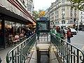 Entrée Station Métro Ledru Rollin Paris 4.jpg