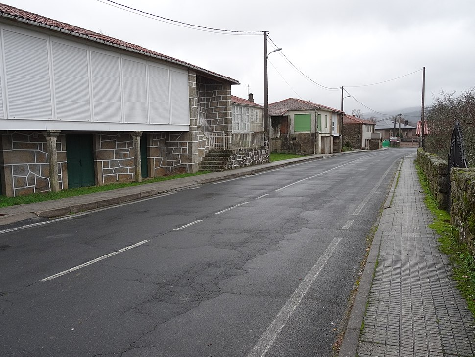 Estrada Bande-Entrimo, Lobeira, Ourense 08