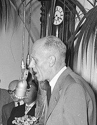 Eugene Carp in 1955.jpg