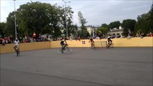 Fichier:European Hardcourt Bike Polo Championship 2013.webm