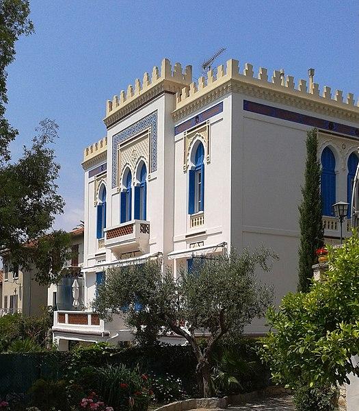 File:FR 83 Hyeres Villa tunisienne Façade côté Jardin.jpg