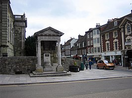 Fire Monument, Blandford Forum - geograph.org.uk - 163311.jpg