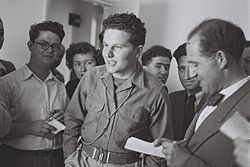 Flickr - Government Press Office (GPO) - JOURNALISTS MOSHE ZAK AND YOSEF OLITZKY INTERVIEWING HAGANA COMMANDER AMOS BEN GURION.jpg