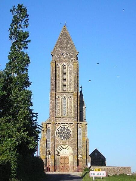 Troisgots (Normandie, France). L'église Saint-Lô.