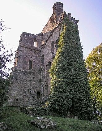 Vire - Donjon de Vire, ruins of the 11th century castle