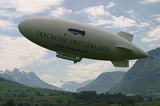 Airship Industries Skyship 600 - Image: GR SK Steigflug
