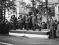Generaal de Lattre tijdens parade, Bestanddeelnr 901-9084.jpg